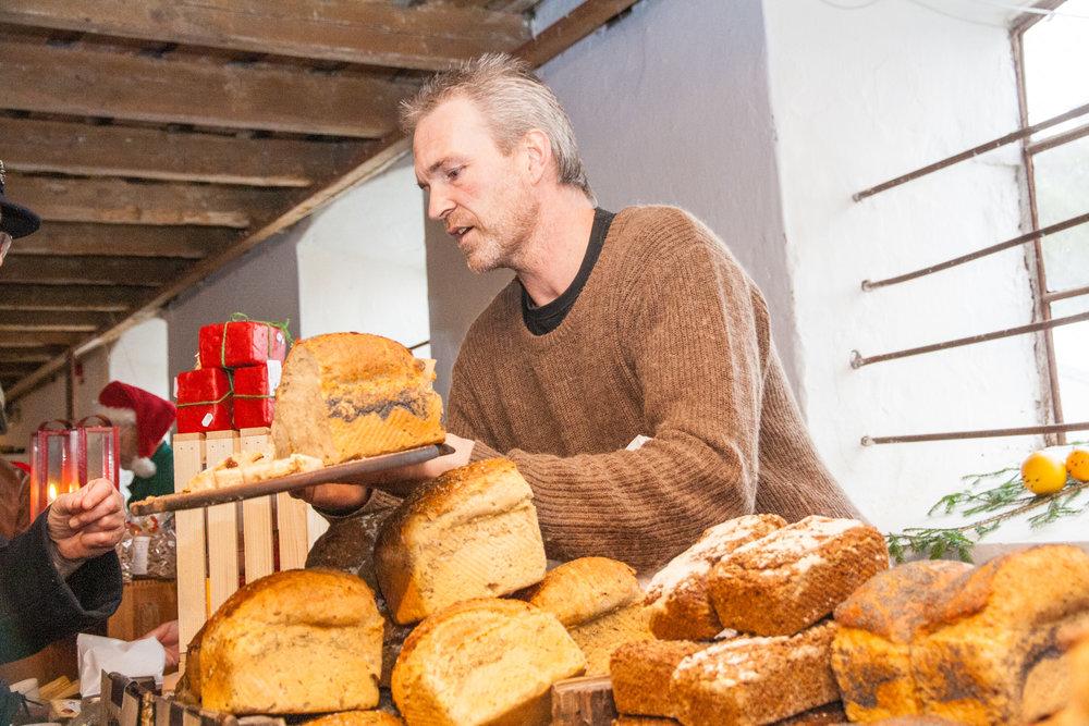 Christmas-market-bread.jpg