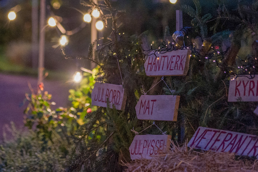 christmas-market-signs.jpg