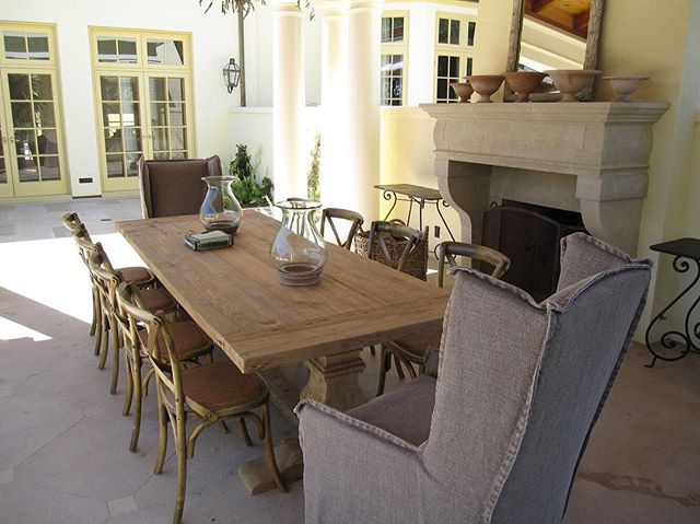 Outdoor dining arrangement designed by our very own Tim Kennedy 😁  #interiordesign #sanfranciscointeriordesign #outdoordining #designinspiration