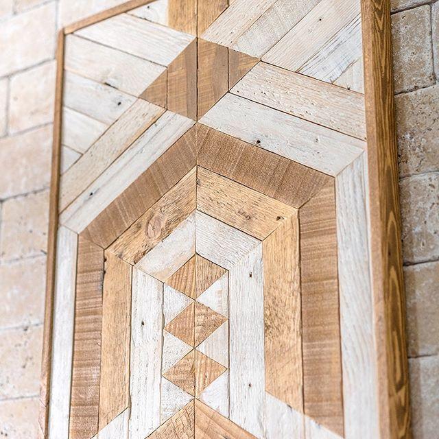 A closer look at the previous piece. ⚡️⚡️ www.despalettos.com