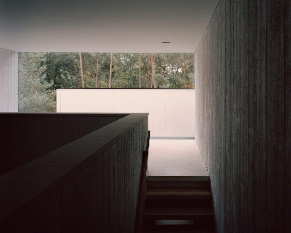 Villa-Waalre-Eindhoven-by-Russell-Jones-Room on Fire-19.jpg