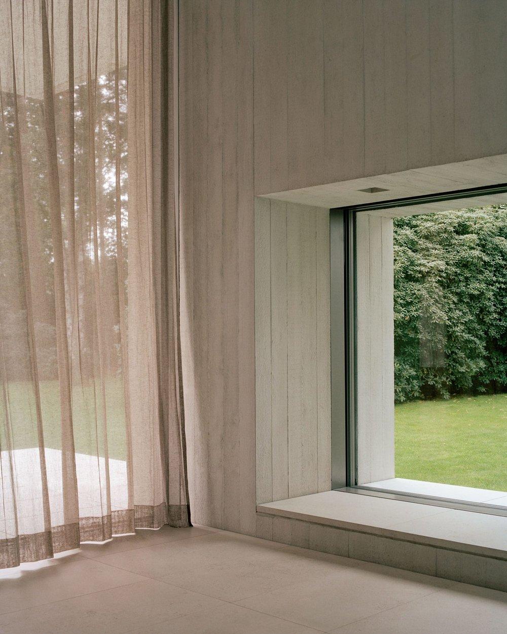 Villa-Waalre-Eindhoven-by-Russell-Jones-Room on Fire-18.jpg