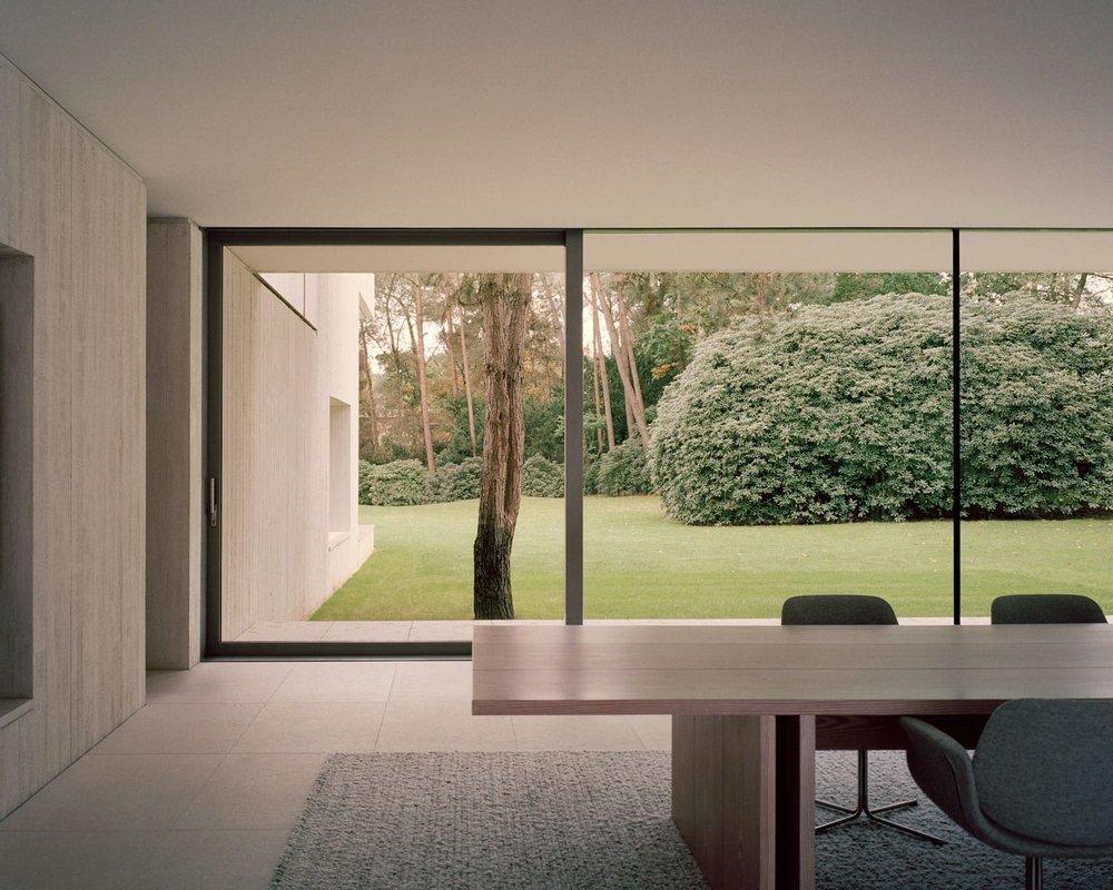 Villa-Waalre-Eindhoven-by-Russell-Jones-Room on Fire-14.jpg