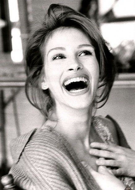 How could we talk about laughter and not include the Queen of Smiles; Julia Roberts