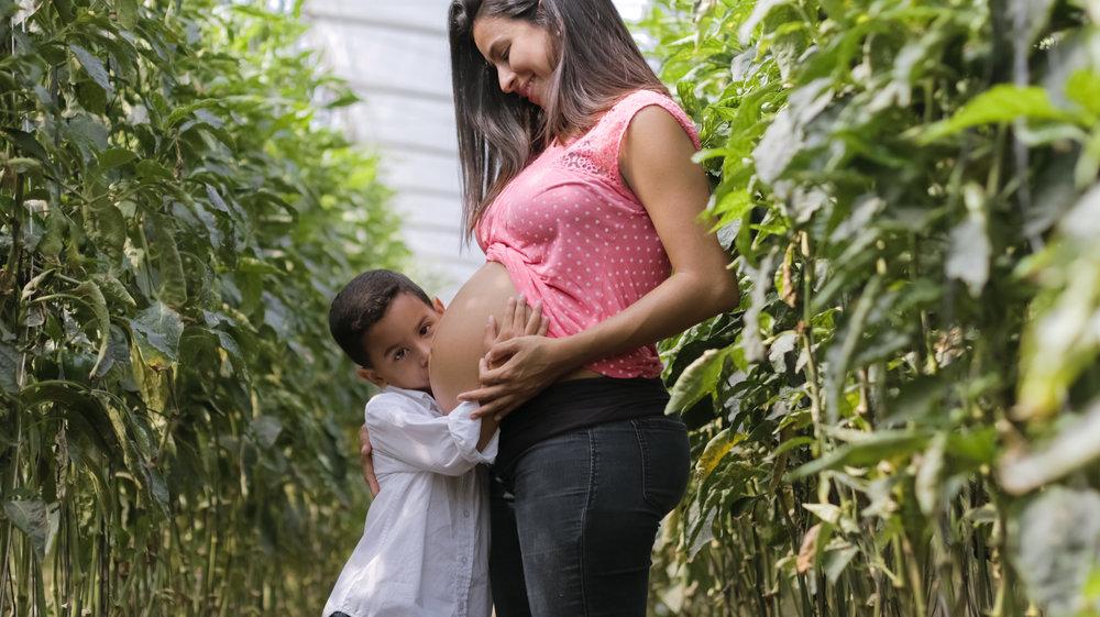 Creative Pregnancy Photo Ideas