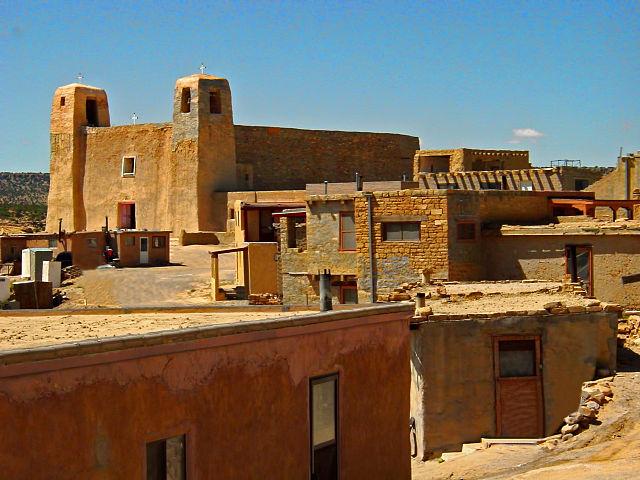 640px-Acoma_Pueblo_New_Mexico.jpg
