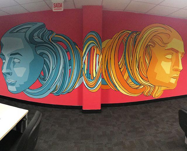 Projeto de muralismo desenvolvido para a empresa @totvs de joinville. Projeto perfeito para finalizar o ótimo ano com grandes projetos do oitosete estudio criativo. 2019 no aguarda. #muralismo #graffiti #design #colors #creativeillustration #oitoseteestudio www.oitosete.com