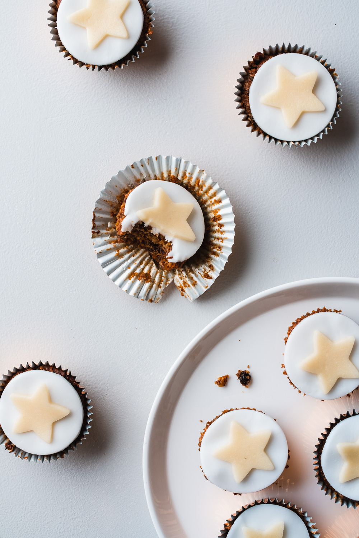 Mini_Vegan_Christmas_Cupcakes-1.jpg