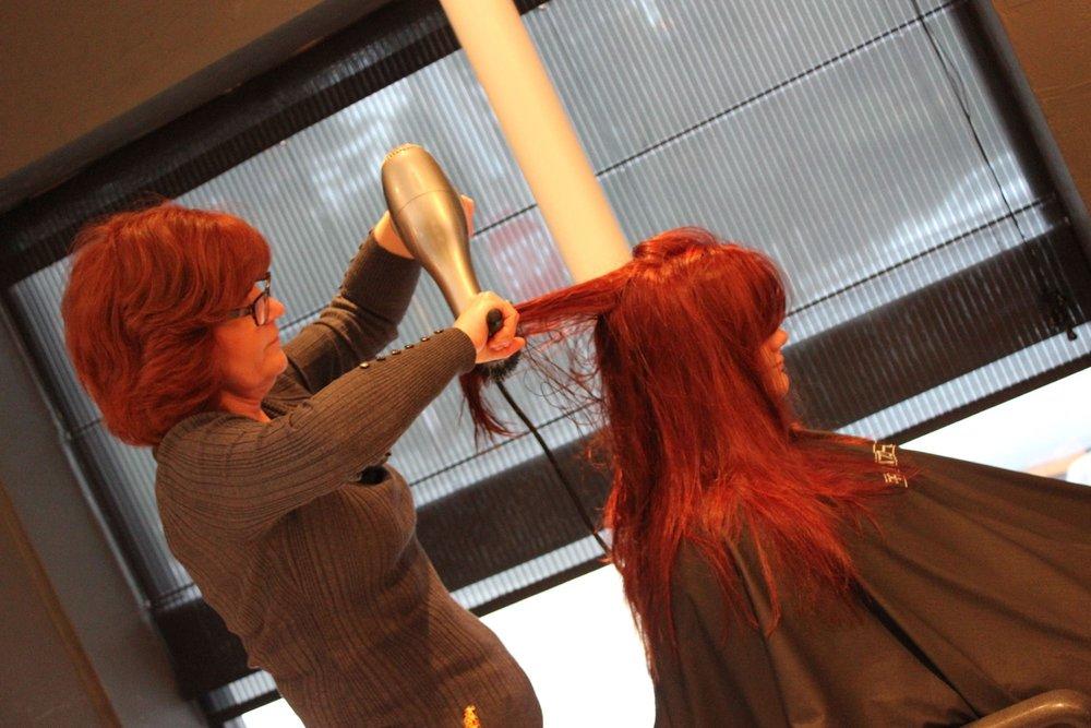 womens-haircut.JPG