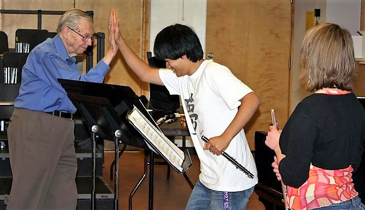 NW Flute and Piccolo Sho hi5 Wally.jpg