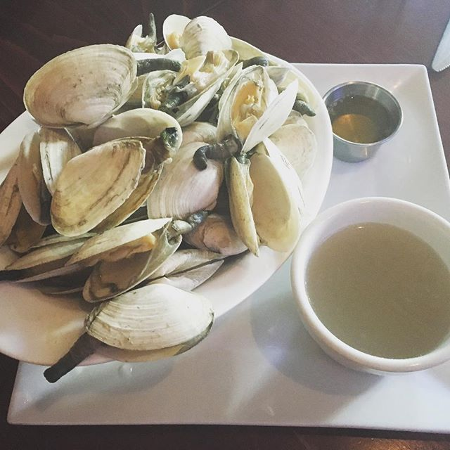We get the best around! #steamers #fresh #essex #local #sogood #ejcabots #dinner @ej_cabots