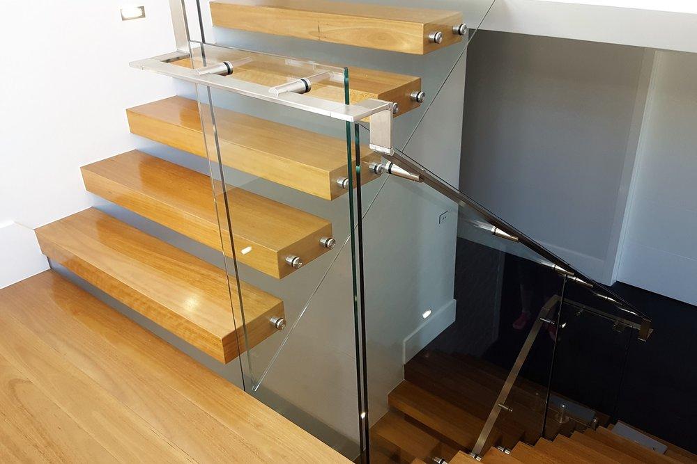 GA Series Glass Balustrade 3 Essendon (1500x1000).jpg