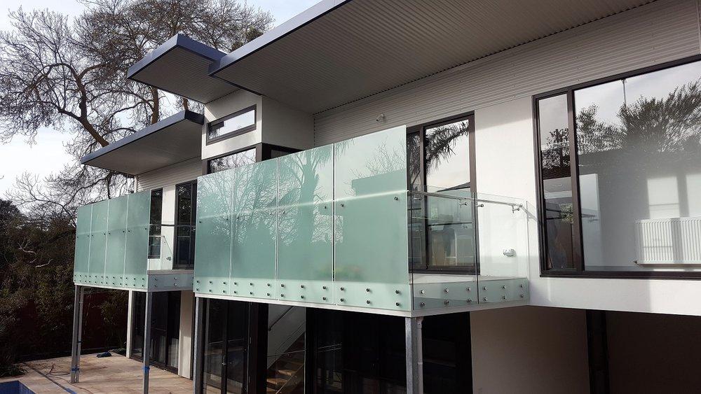 Frameless GA series glass balustrade - Kew 1.jpg
