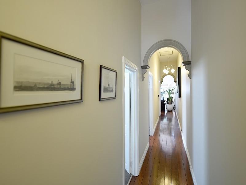 Lee Syminton Sydney Street Hallway