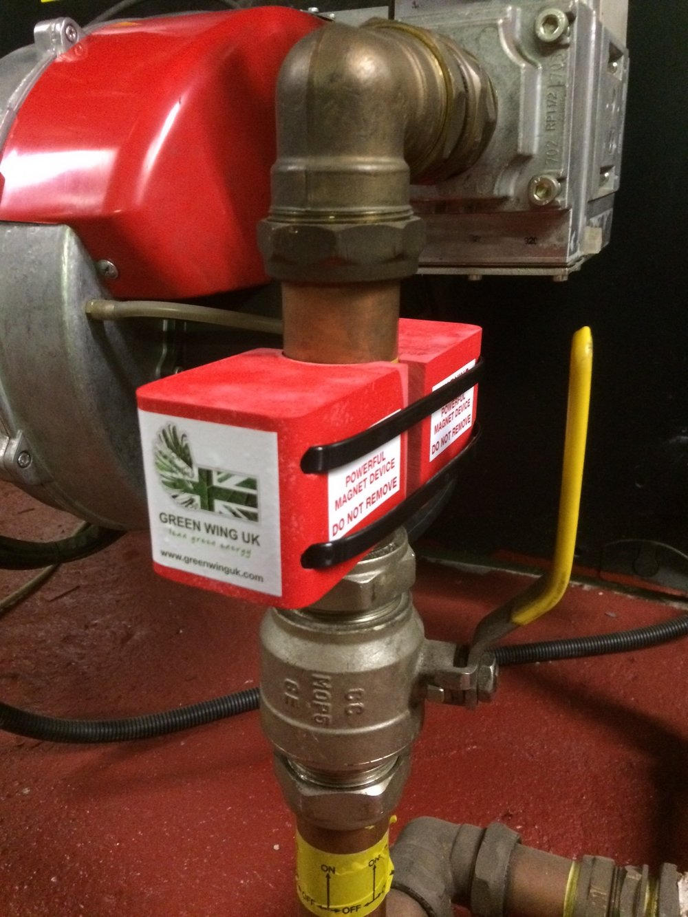 """Magnetic Fuel Conditioner installed in 2016 at the Marriott Regents Park in London - Installed on a 2"""" copper pipe."""