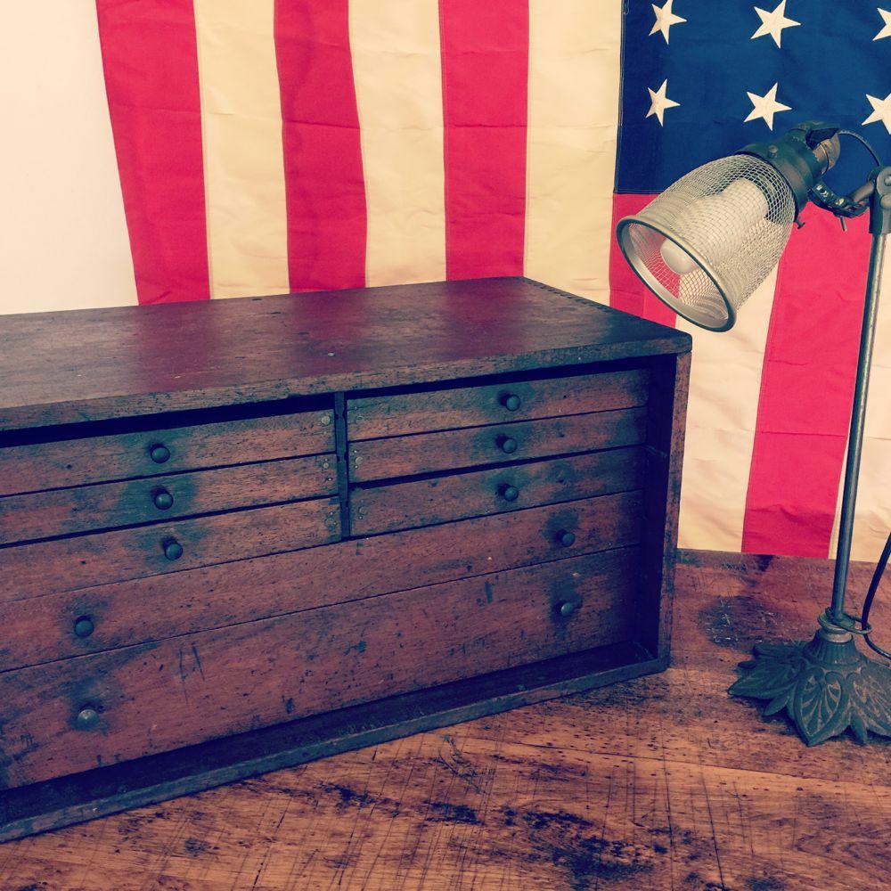 flag_toolbox.jpg