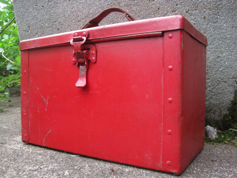 red_box.jpg