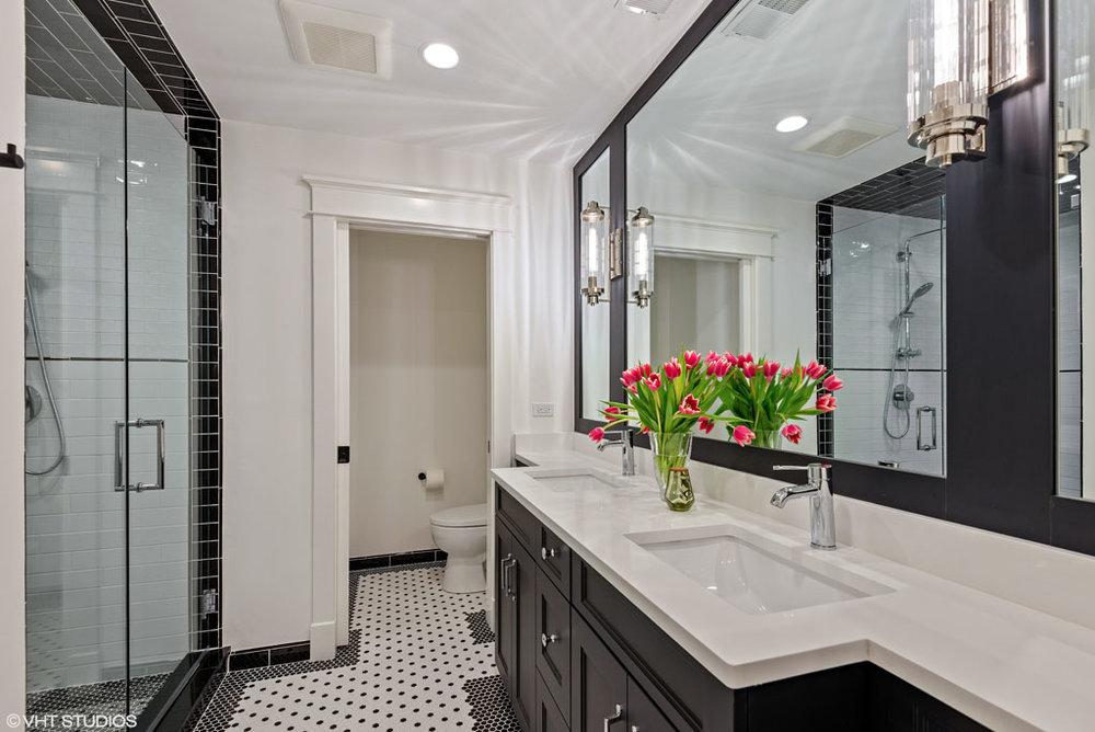 20_209FullerLane_8001_Bathroom_HiRes.jpg