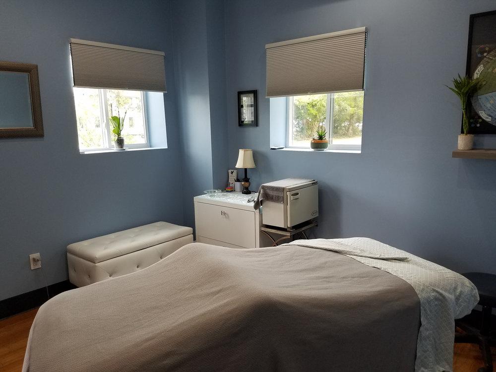 MassageTable.jpg