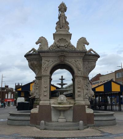 Earl-of-Dudley-Fountain.jpg