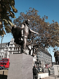Glynn Williams, Memorial to David Lloyd George, 2007, Parliament Square, London, SW1