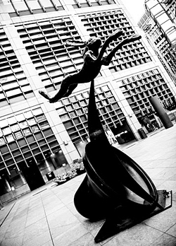 Barry Flanagan, Leaping Hare on Crescent and Bell, bronze, Broadgate, City of London (photo: Holly Wren Photography)
