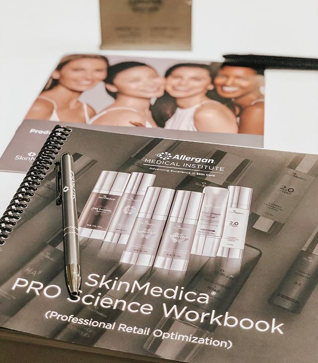 Our Arabella's beauty experts have ventured to Atlanta today to study all things medical-grade skincare by @skinmedica ! ✨ What's your favorite #SkinMedica product?!