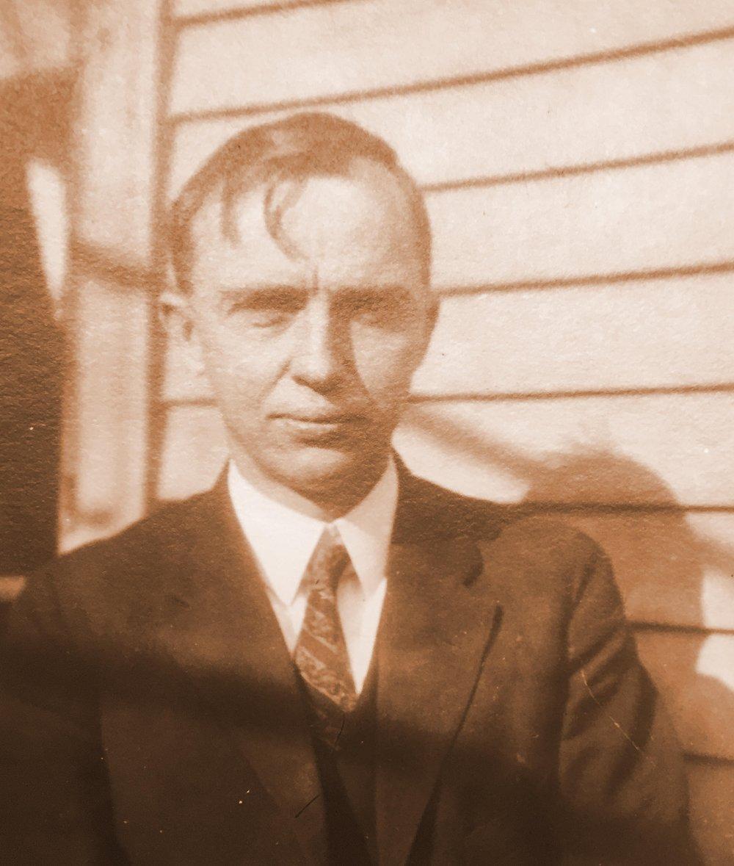 Harlow Shapley ca. 1920  Photo source   :    Harvard University Archives