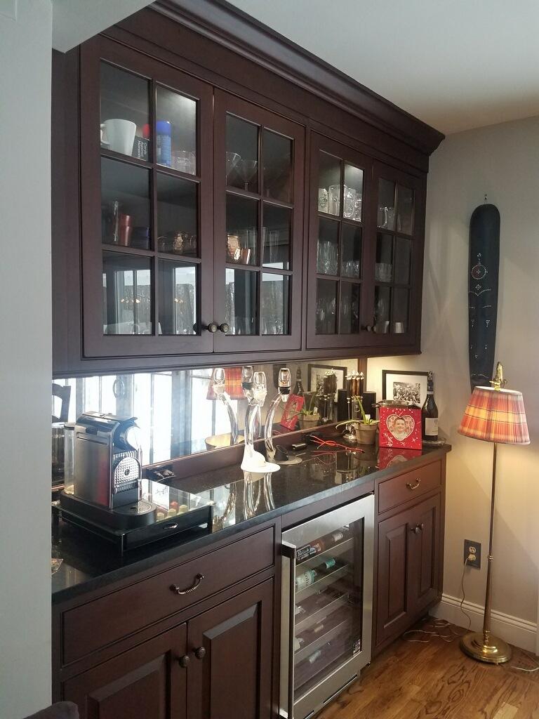 kitchenbar.jpg