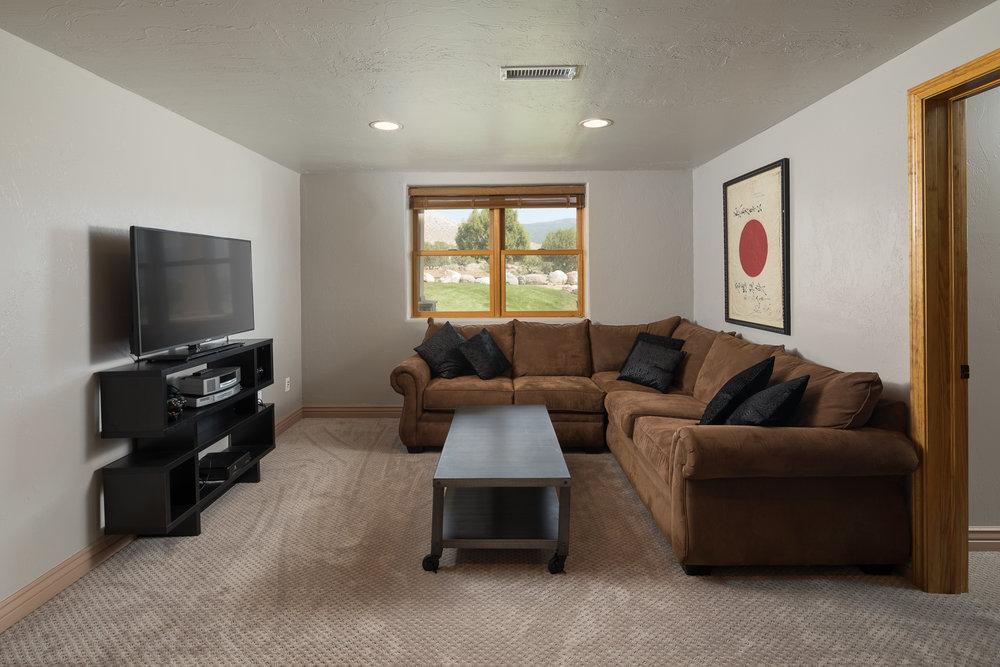 19_TV Room.jpg