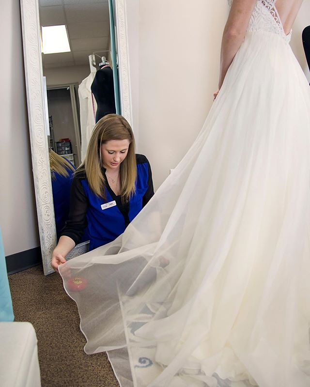 Wondering where alterations fits into your timeline? We like to do your first fitting about 8-10 weeks before your wedding, but we book up a month or two in advance! SO, you need to reach out to us about 3+ months before your wedding to get on the books! We wish we could help EVERYONE, but we only have so many appointments 😉 Don't miss out! 📅 📷 @bigdreamsphotoanddesign 👗 @loveliestbridal  #supportlocal #supportlocalbusiness #shopsmall #shoplocal #smallbusiness #smallbusinessowner #sew #sewing #seamstress #bridal #bridalsewing #bridalalterations #seamstresslife #lifeofaseamstress #alterations #custom #customfit #brides #weddings #tennesseeweddings #knoxvillebride #knoxvilleweddings #weddinggowns #bridalgowns #shesaidyes #realbrides #weddingplanning #thebigday #tietheknot