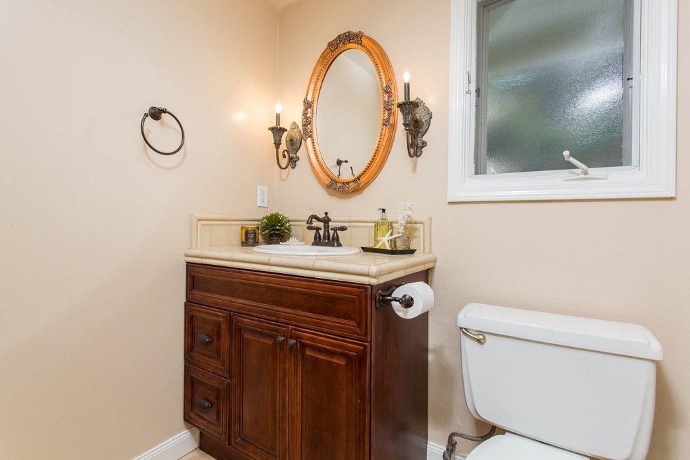 Guest Bathroom Mirror.jpeg