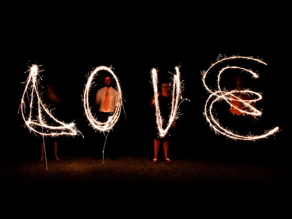 love-sparklers-creative-wedding.png