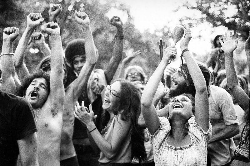 hippies-dancing_3.2.jpg