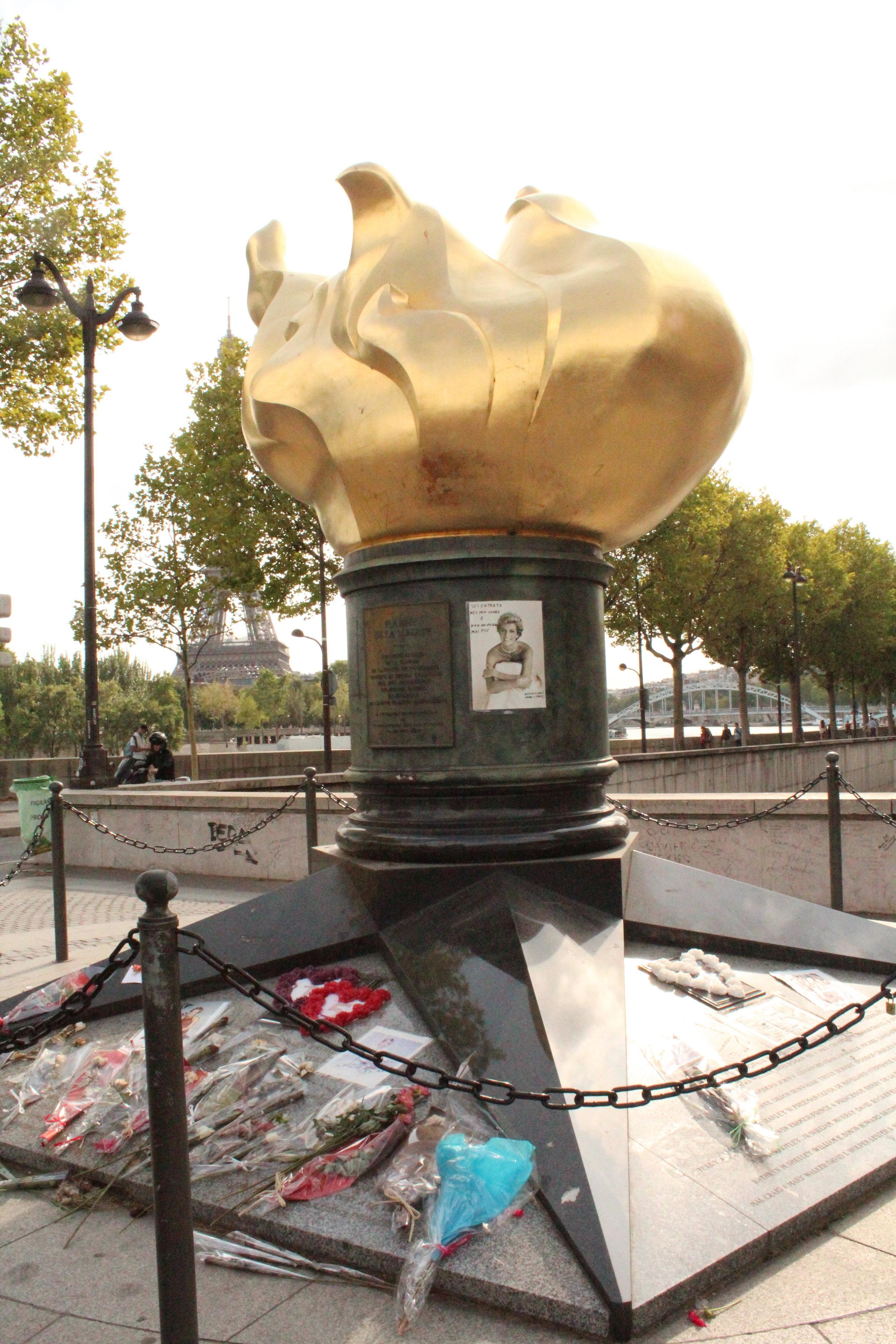 Pont de l'Alma, Paris, Princess Diana memorial