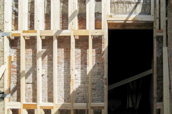 RISTRUTTURAZIONI - La leggerezza e flessibilità del legno, rendono questo materiale ideale per interventi di ristrutturazione di edifici storici e palmenti.
