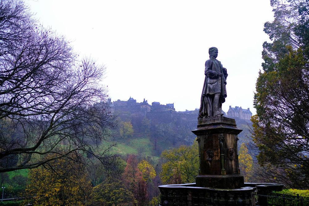 Location: Princess Gardens at Edinburgh Caste, Scotland. Date: November, 2017   Lens: 23mm f1.4   Camera: Fujifilm Xt-20