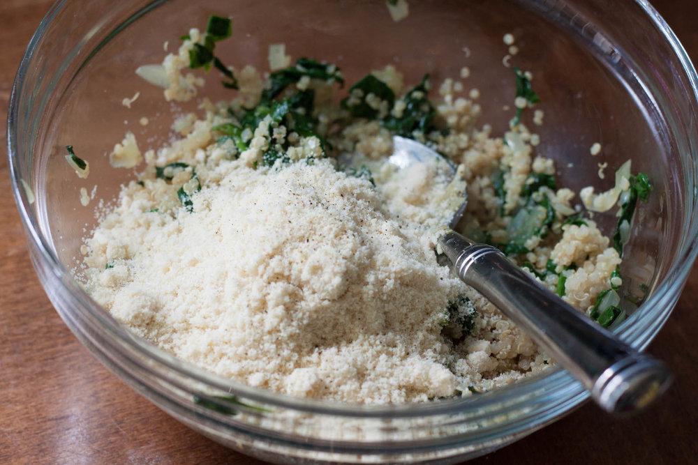 almond-flour-mixed-with-quinoa.jpg