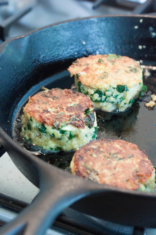 Spinach-Feta-Quinoa-Cakes-frying-in-pan.jpg