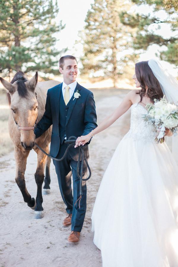 equestrian-ranch-wedding-01.jpg