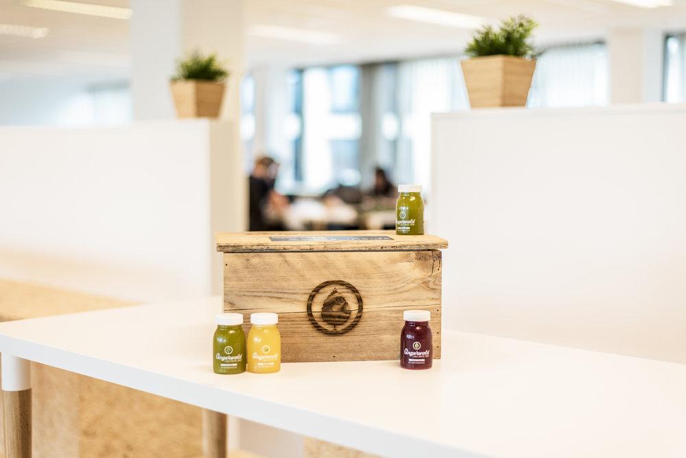 Een gift box bevat 24 juice shots voor een prijs van €99,95 en is 100% fiscaal aftrekbaar.