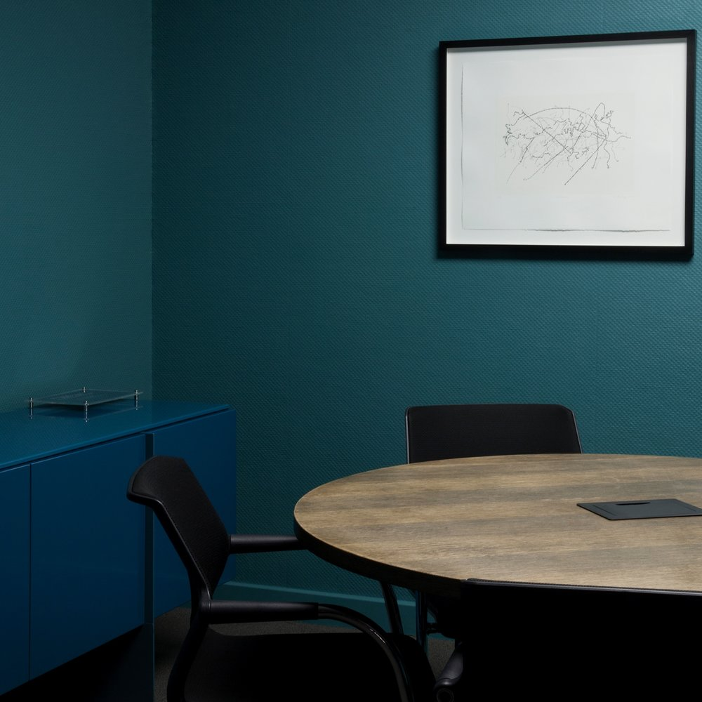 Corner of Fifth - A neutral meeting room with the ability to connect to the world via a high definition video conferencing facility.