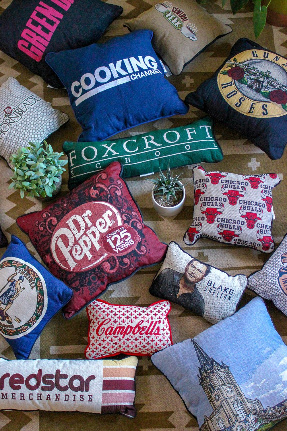 Sewn Items - Pillows & Totes made from durable Jacquard woven fabric accommodate up to full color designs. Customize fabric backing, straps and more for a truly unique product.