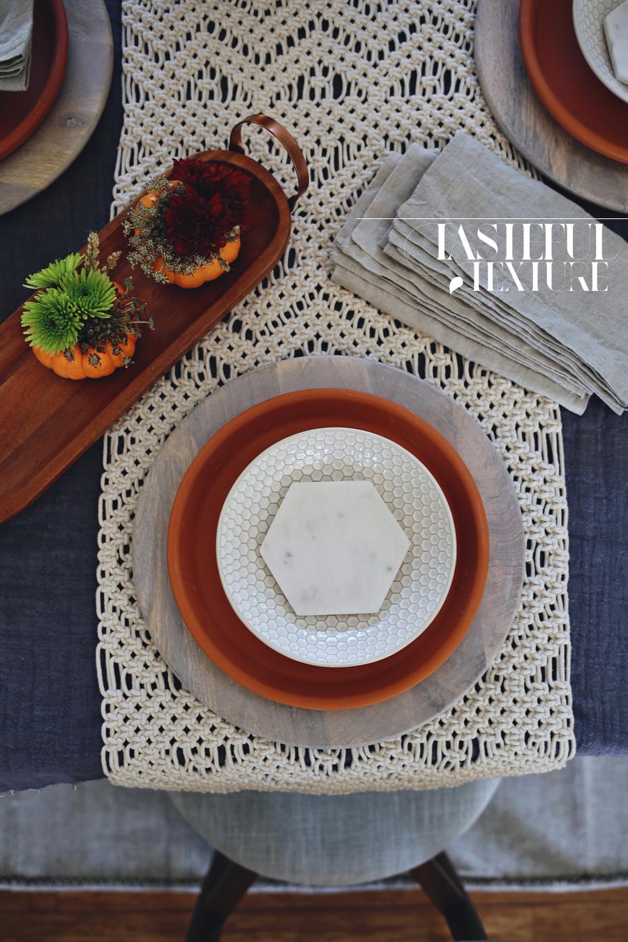 freindsgiving-table-setting-dine-x-design