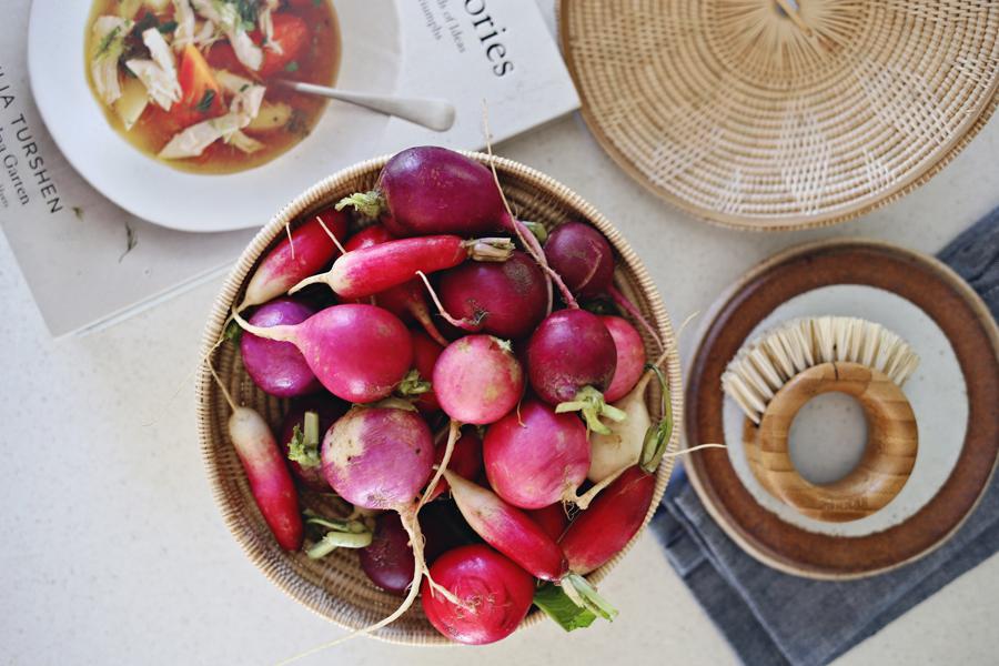 rosted-radishes-prep-_-dine-x-design