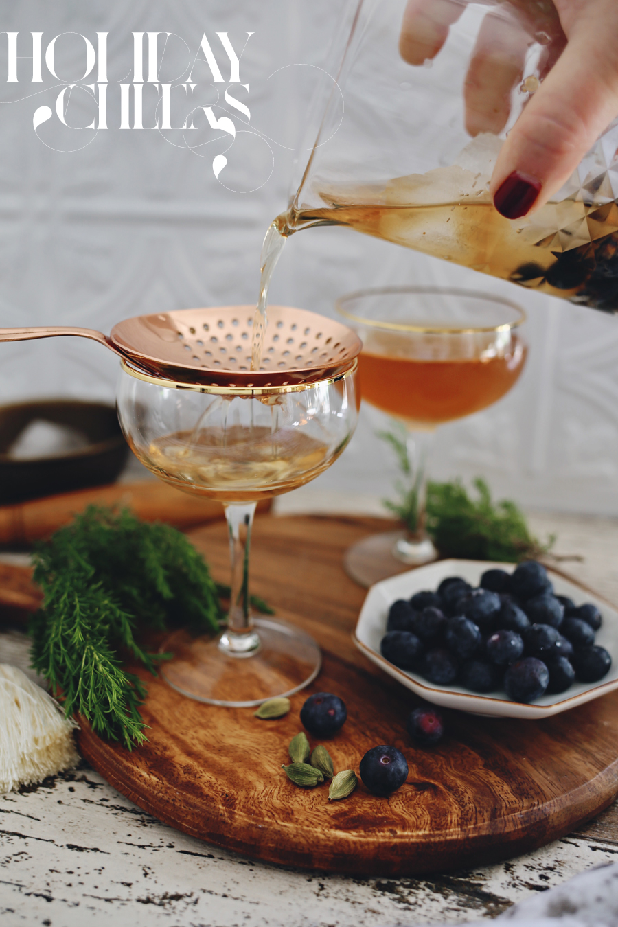 10-holiday-cocktails-for-entertaining-dine-x-design