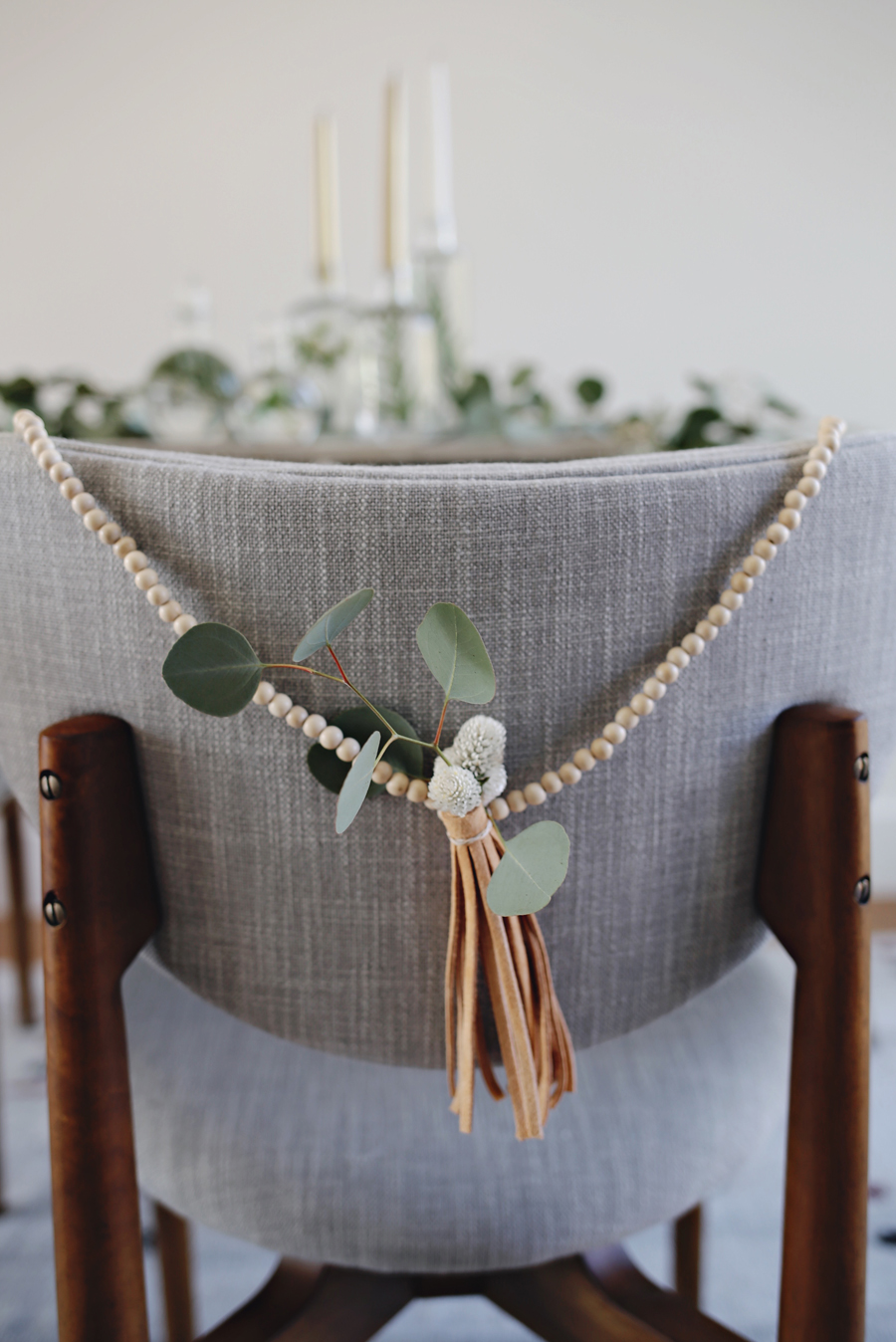 minimalist-garland-vertical-kristin-guy-dine-x-design