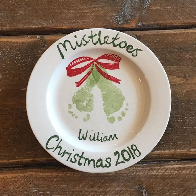 Last few days to get your extra special Xmas gifts 🎁 in time!!! #hereford #mistletoes #christmas #pottery #paintyourownpottery