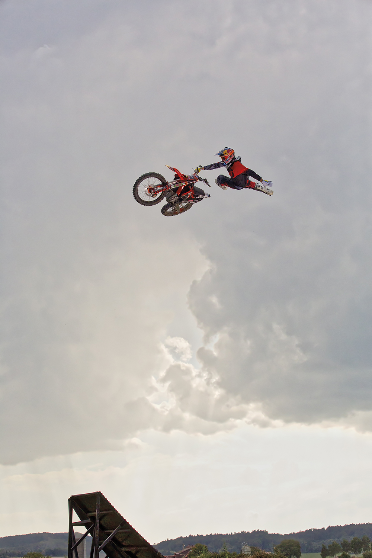 Motorhead Mat Rebeaud, einer der weltbesten Motocross Freestyler.
