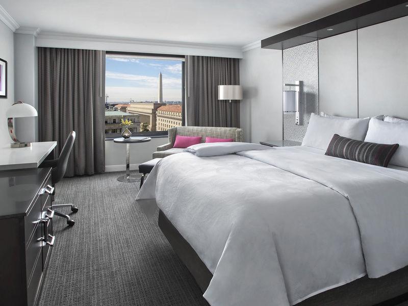 image-jw_marriott_dc_king_view_guest_room-10386.jpg